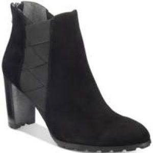 Adrienne Vittadini black ankle boots booties NEW